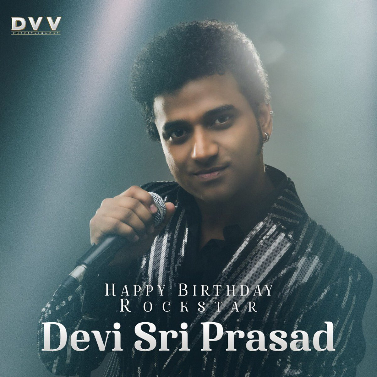 Happy Birthday Rockstar @ThisisDSP... May you keep entertaining us with your blockbuster music 🎶💖 #HappyBirthdayDSP https://t.co/DIZlWG6Zf5