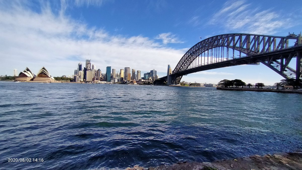 Casual Sunday lunch by the iconic Sydney Harbour Bridge. Waterfront views. #Sydneyharbour. pic.twitter.com/gKUHedkv5j – at Jeffereys St Wharf