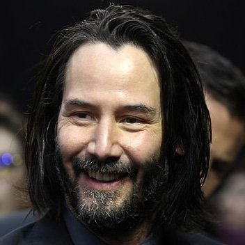 Challenge, chapter 22... smile like you're #keanureeves.  Today's version is a 'Have a nice Sunday' one with a bit of 'Cool, I am at the #johnwick3 premiere and I enjoy it pretty much'.pic.twitter.com/iZzISOfoU5