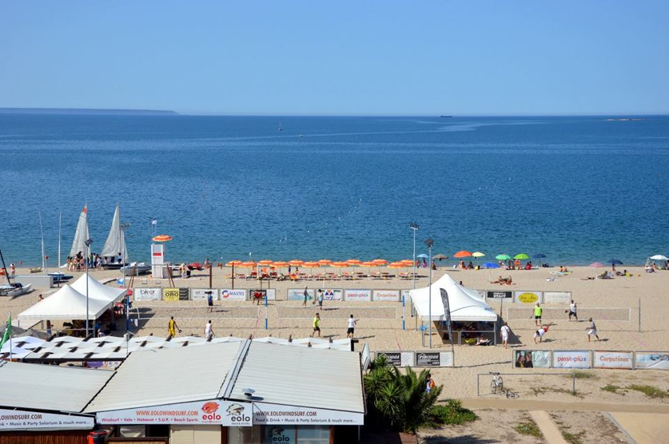 #Sardegna terra del #beachtennis  Dal 21 #agosto i #campionatiitaliani di terza e quarta categoria https://bit.ly/2De7cGv @federtennis  #sport #summertime #SummerVibes #Summer2020  @ComuneOristanopic.twitter.com/5DCNyojeKS
