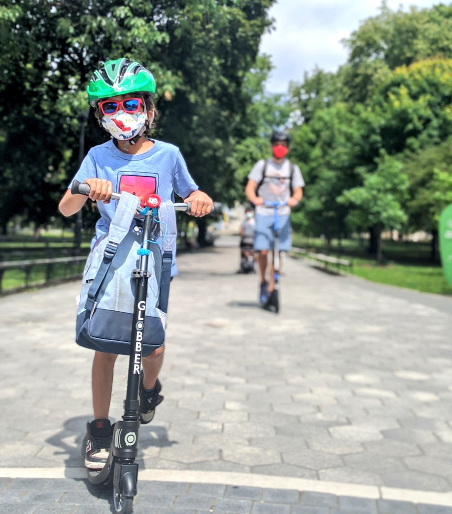 Spent the weekend roaming around the city in our @globberna scooters. I've come to realize that it doesn't stop the kids whining but it does help shave a few mins from our travel time. Think I'm now confident enough to scooter w/the kids, even if Chris isn't around #giftedProduct https://t.co/PuZ9k15nXD