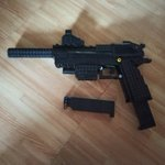 Image for the Tweet beginning: Lego Desert Eagle with Red