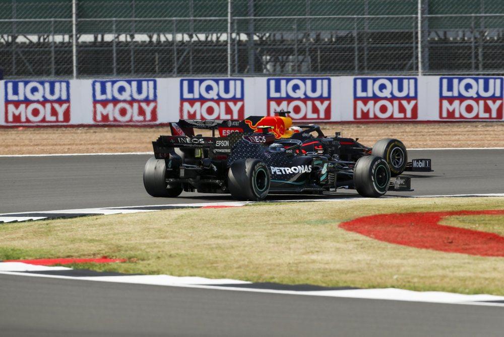 Pick a winner... @MercedesAMGF1 @redbullracing #F170 @SilverstoneUK https://t.co/5tYSMgAtAo