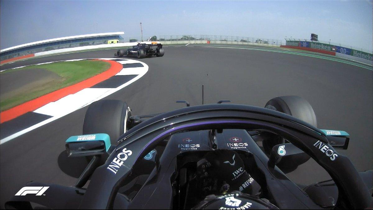 LAP 50/52   Hamilton closing in...  #F170 🇬🇧 #F1 https://t.co/nWiN9jQbO9