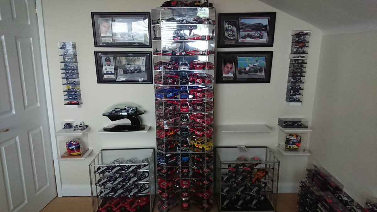 Having recently lost my job, I reluctantly may need to sell my @jpmontoya collection. I don't want to as wanted to leave it to a museum one day but circumstances mean I may have to. Please RT if possible. Thanks. @WilliamsRacing @HillF1 @McLarenF1 @LewisHamilton @f1 @NASCAR https://t.co/70RvywXCA2