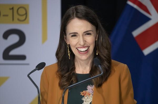 Nova Zelândia completa cem dias sem transmissão de coronavírus e pede cuidado com medidas de proteção para evitar novo surto https://t.co/KtqKaZ4Hep #G1 https://t.co/icHoK8FvCq
