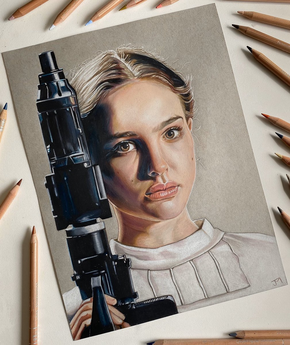 Another commissioned drawing of @natalieportman as #padmeamidala from @starwars #attackoftheclones  commission for @wheeldude_888  . . . #starwarsart #starwarsfan #StarWarsCelebration #starwarseverything #starwarsday #queenamidala #natalieportman #starwarsfanartpic.twitter.com/McnEcGCOHC
