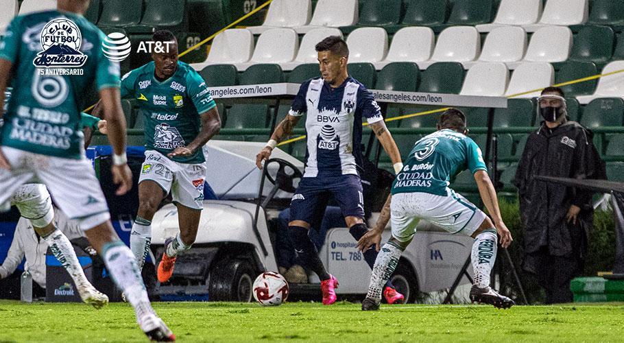 #CGE #GELP  | Maximiliano Meza fue titular y jugó 70 minutos, en el empate 2-2 entre @Rayados y #SantosLaguna, por la 3ra fecha de la #LigaMx .pic.twitter.com/CKb9Tdl41P