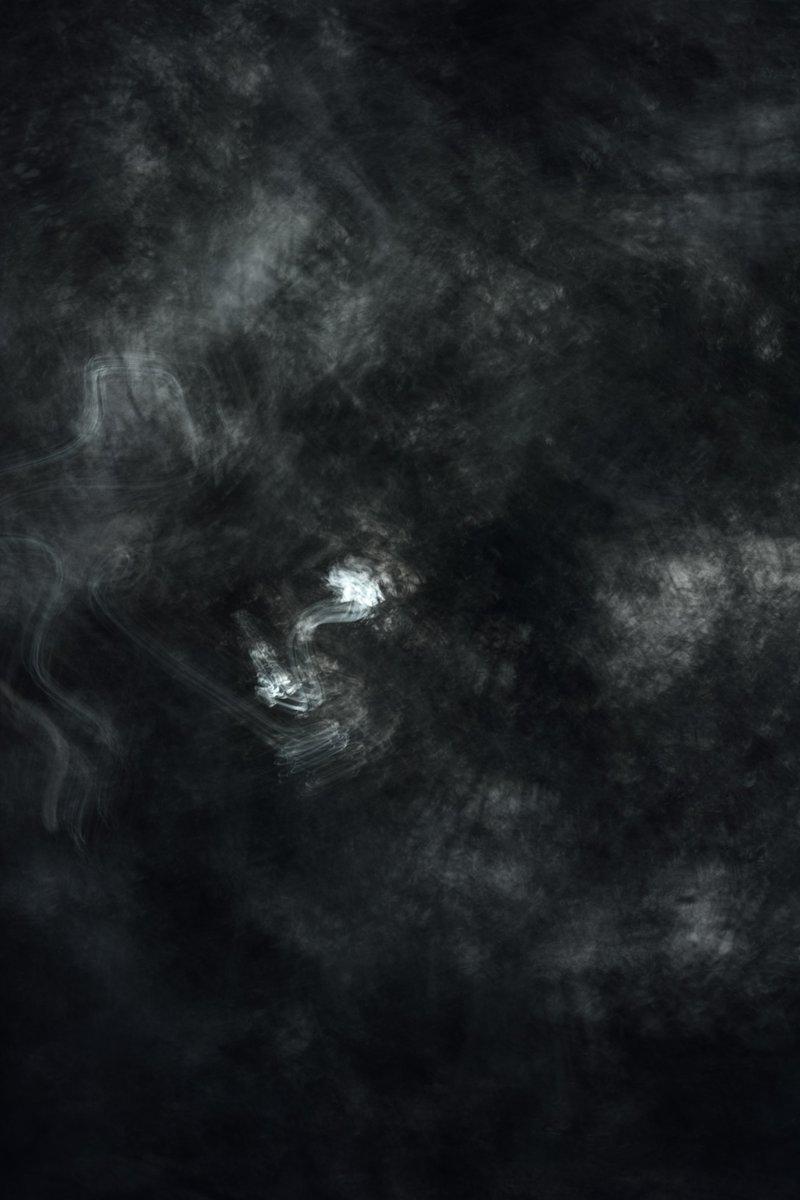 Sullen. #artofvisuals #agameoftones #ourplanetdaily #folkscenery #folkgreen #earthofficial #optoutside #depthobsessed #moodynature #cloudscape #contemporaryart #modernart #avantgarde #abstractart #streetphotography #abstractartist #artwork #compositionpic.twitter.com/yyoKaYM90G