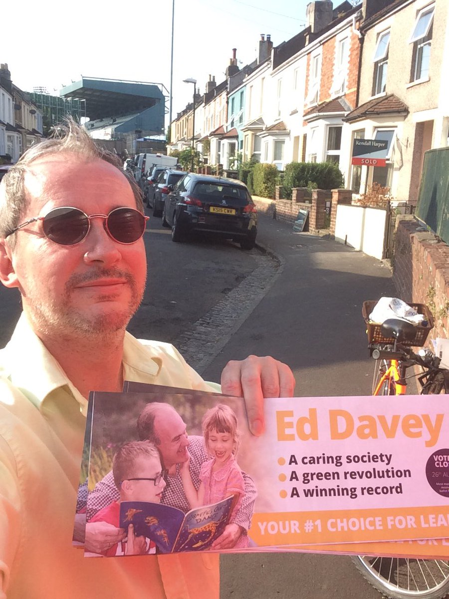Sunday afternoon bike ride with political purpose! Delivering @edwardjdavey for @libdems leader messages to members in Bishopston, Ashley Down and St Andrews. Those from outside Bristol might want to guess the landmark behind me...