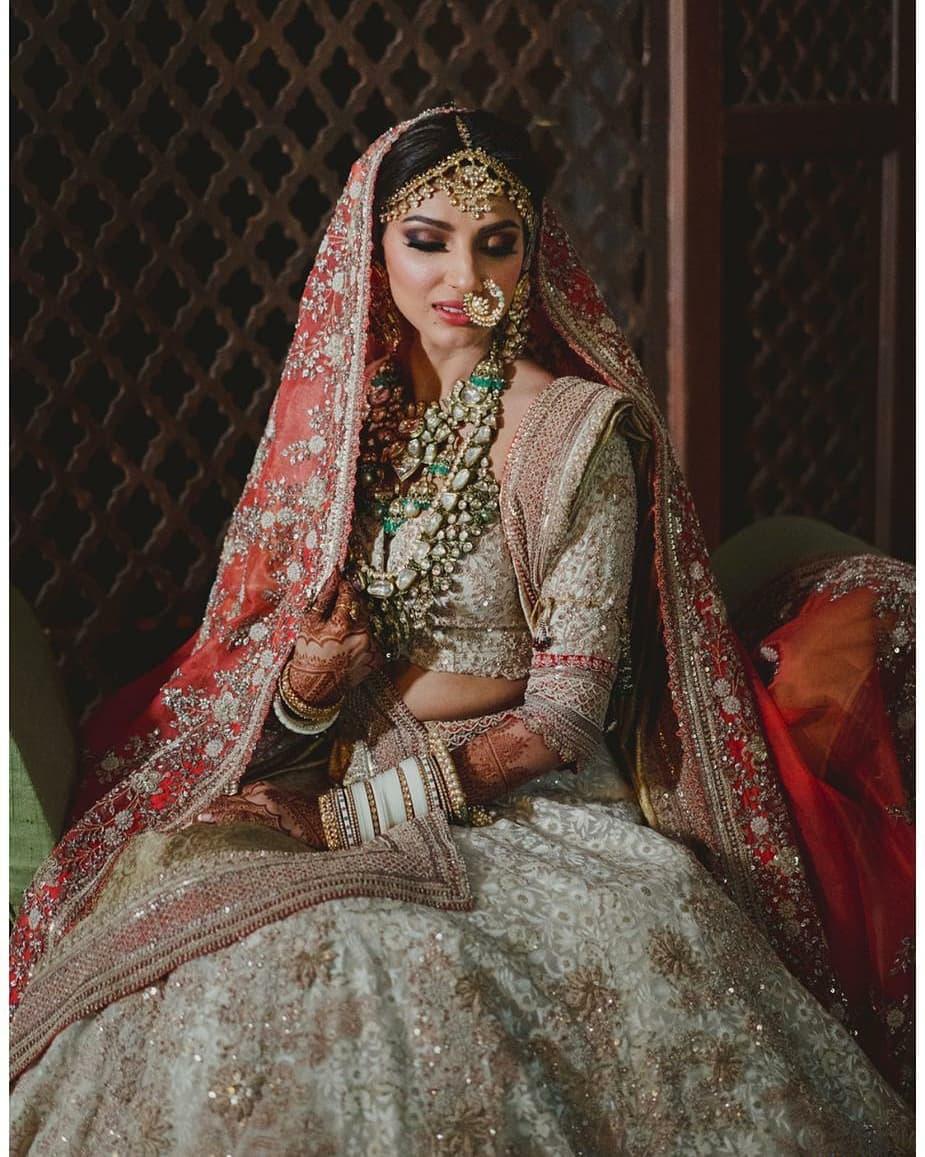 Some more Glimpse of Bahubali Actor @RanaDaggubati's wifey #MiheekaBajaj from her Wedding Ceremony.. #RanaDaggubati #bahubali #RanaMiheekaWedding #RanaMiheeka #RanaWedsMiheeka #RanaWedding #MiheekaRana #Bollywood #bridaljewellery #southindian #beauty #southindianwedding #luvpic.twitter.com/BirOrZ3jqm