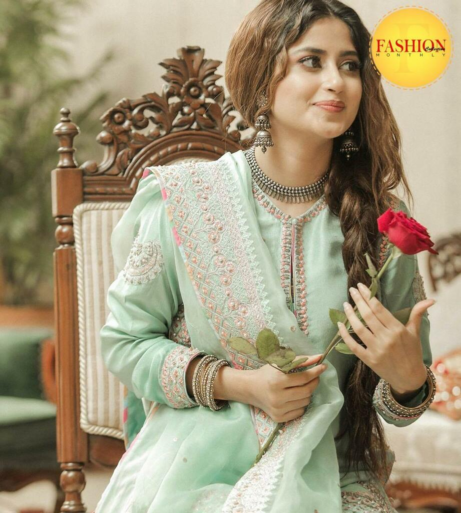 Sajal ali's recent instagram shoot 😍 . #fcmag #street #ootd #lollywood #august #happy #shoot #Traditions #glamup #dress #ootd #instadaily https://t.co/GXvaHWzh3q https://t.co/BccYUEMxKR