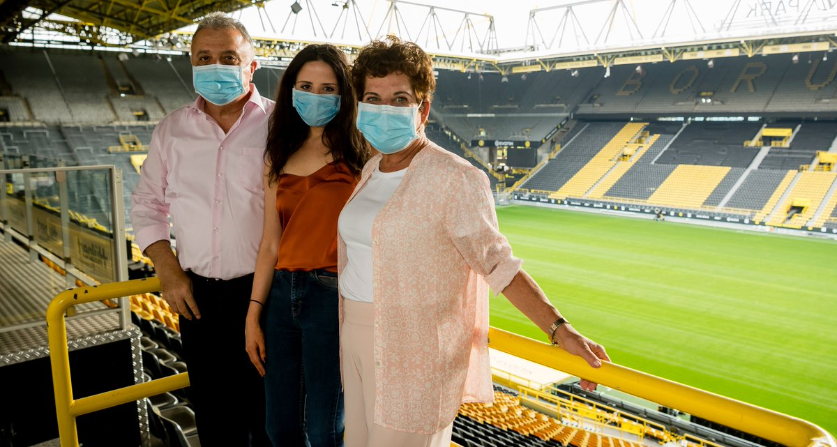 Today the Israeli Ambassador @JIssacharoff and his family visited the @SIGNALIDUNAPARK to learn more about the anti-discrimination work the club is doing with @Evonik.  #UnitedByBorussia https://t.co/Gk2azn8NQJ
