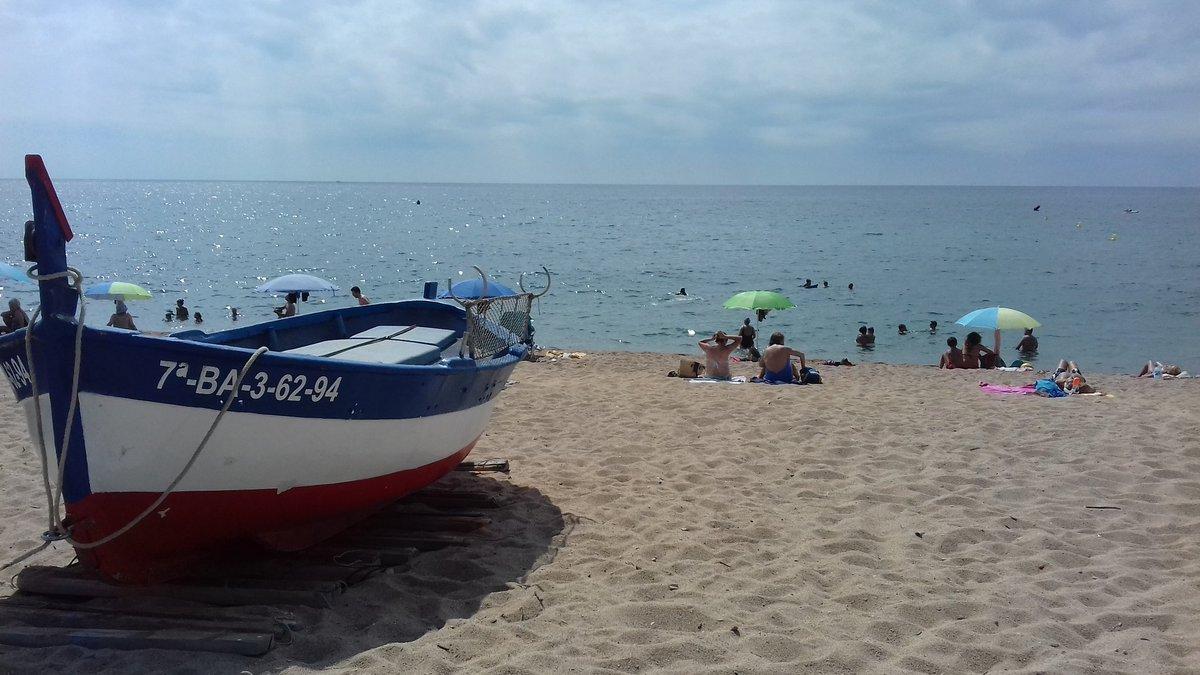 La Via Brava @ViesBraves Pins-Pescadors, de recorregut plàcid i amb una distància de mig quilòmetre, enllaça aquestes dues platges de la façana marítima de #pineda #pinedademar #costadebarcelona #barcelona #maresme #catalunya  #natacio #aigüesobertes #girona https://t.co/kFvXmaBCet