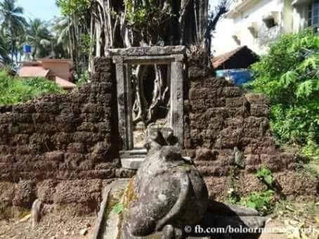 The Ruined Tuluveshwara Temple🕉️  Here is a fact that, there was a Temple in the name of Tuluvas in Tulunadu, still remaining unaware.The same old crucial situation faced by Tulu language and culture, is being faced by  Tuluveshwara Temple. (1/6) @LostTemple7 #Tulunad #Kundapura https://t.co/icSulyWRM3