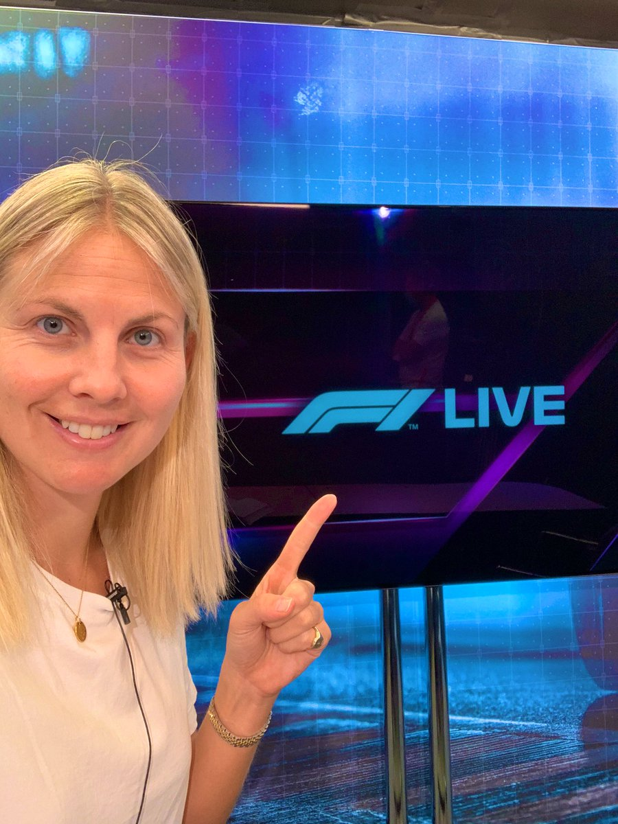 We're getting ready for the Pre Race Show. If you have a question or comment then please send it in using #f1live 🤩🥳💁🏼♀️ @wbuxtonofficial https://t.co/7w6gIRtKHu