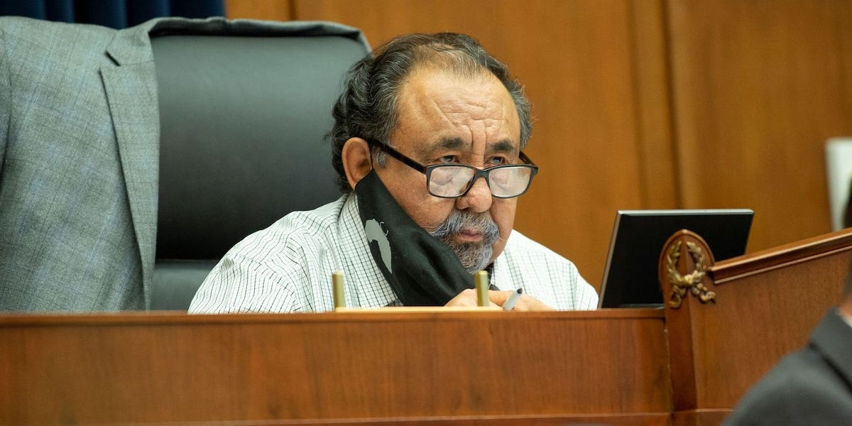 arizona-congressman-tests-positive-for-covid-19-blasts-republicans-who-dont-wear-masks Photo