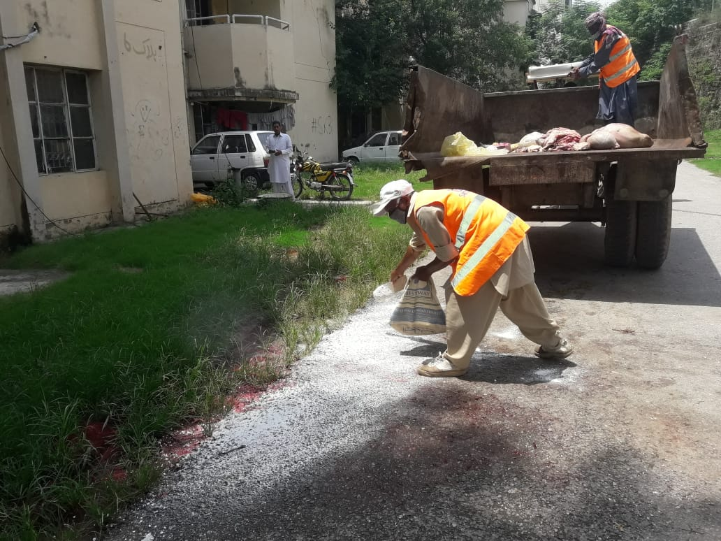 Disinfection initiated all over Islamabad after successful removal of wastes. We are thankful to each & every citizen for their cooperation. 🙏🇵🇰😇