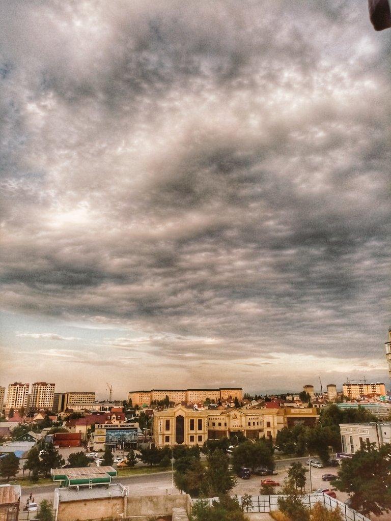 Кто любит облака? Я вот люблю, по этому, размещу здесь фоточки неба:  #облака #фото #небо pic.twitter.com/9lTqnnlpu8