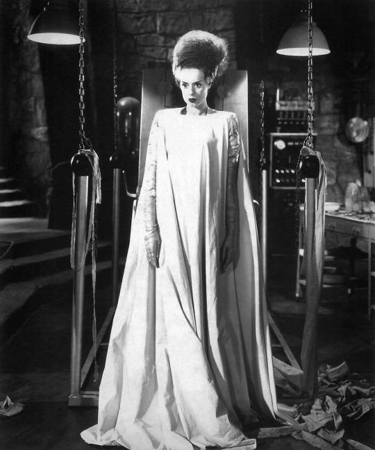 Elsa Lanchester / production still from James Whale's The Bride of Frankenstein (1935) #scifi #retrohorrorpic.twitter.com/QUtJxSzuJL