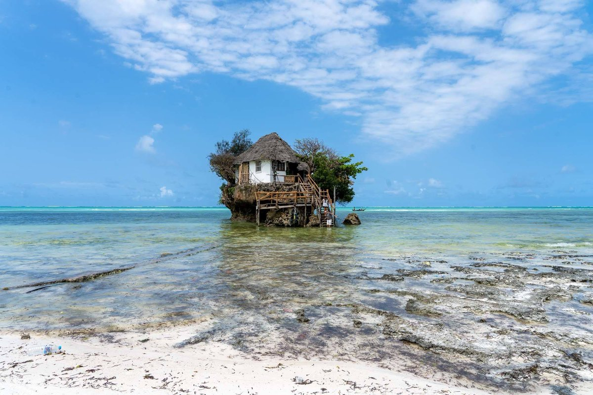 Zanzibar is one of the paradise islands, but thank to this great post by @DangerousBiz I learn that it also has so much history! dangerous-business.com/zanzibar-itine… #zanzibar #travelblog