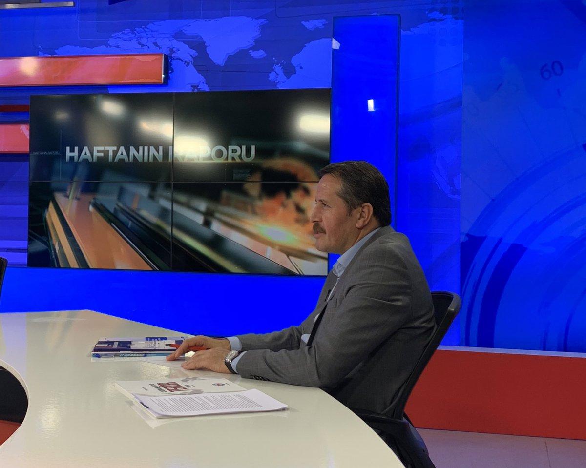 """ÜLKE TV'de """"Haftanın Raporu"""" programı için hazırız. Dr.Murat Yılmaz ve Prof.Dr.Mehmet Şahin ile beraber ülke ve çalışma hayatı gündemini,kamu görevlilerinin beklentilerini konuşacağız şimdi. Başlıyoruz... Bismillah 📌@ulketv 📌22.00"""