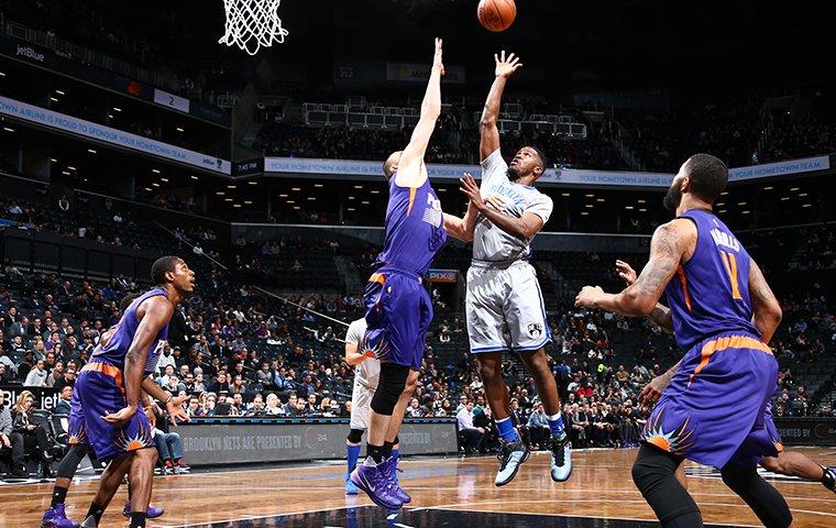 Latest NBA Odds  Wizards vs Nets -3 231.5 Blazers vs Celtics -4.5 228 Spurs vs Grizzlies -4.5 236 Kings vs Magic -2.5 227 Bucks vs Rockets +4.5 243.5 Mavs vs Suns +6 235 https://t.co/C1rUycbE08