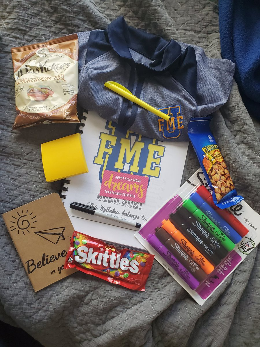 A bit late but thank you #FME the Wonderful send of Friday and all the goodies... one week down. #ClintISD #RemoteLearning #FMEUniversity https://t.co/wBZx08uXlh