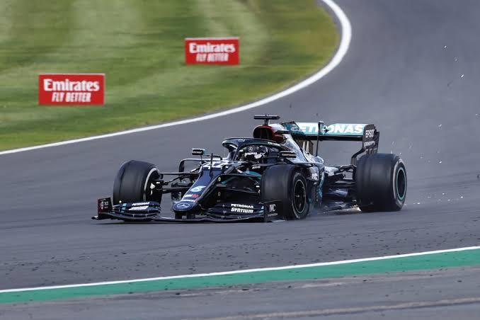 Não me lembro de uma corrida que eu tenha vibrado assim após 2009 (Rubinho na BrawnGP). #Formula1 #GPInglaterra https://t.co/YTrf39jfkH