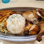Image for the Tweet beginning: CHICKEN SEVEN(岩本町)2020.8.2  ・ローストチキンプレート  目の前でローストされたチキンが二分の一羽も食べられるリッチなプレート。 ビールにとても合うので、ビール派は是非。  今日もおいしかったです。 ごちそうさまでした。  #CHICKEN_SEVEN #ローストチキン #秋葉原 #鶏肉