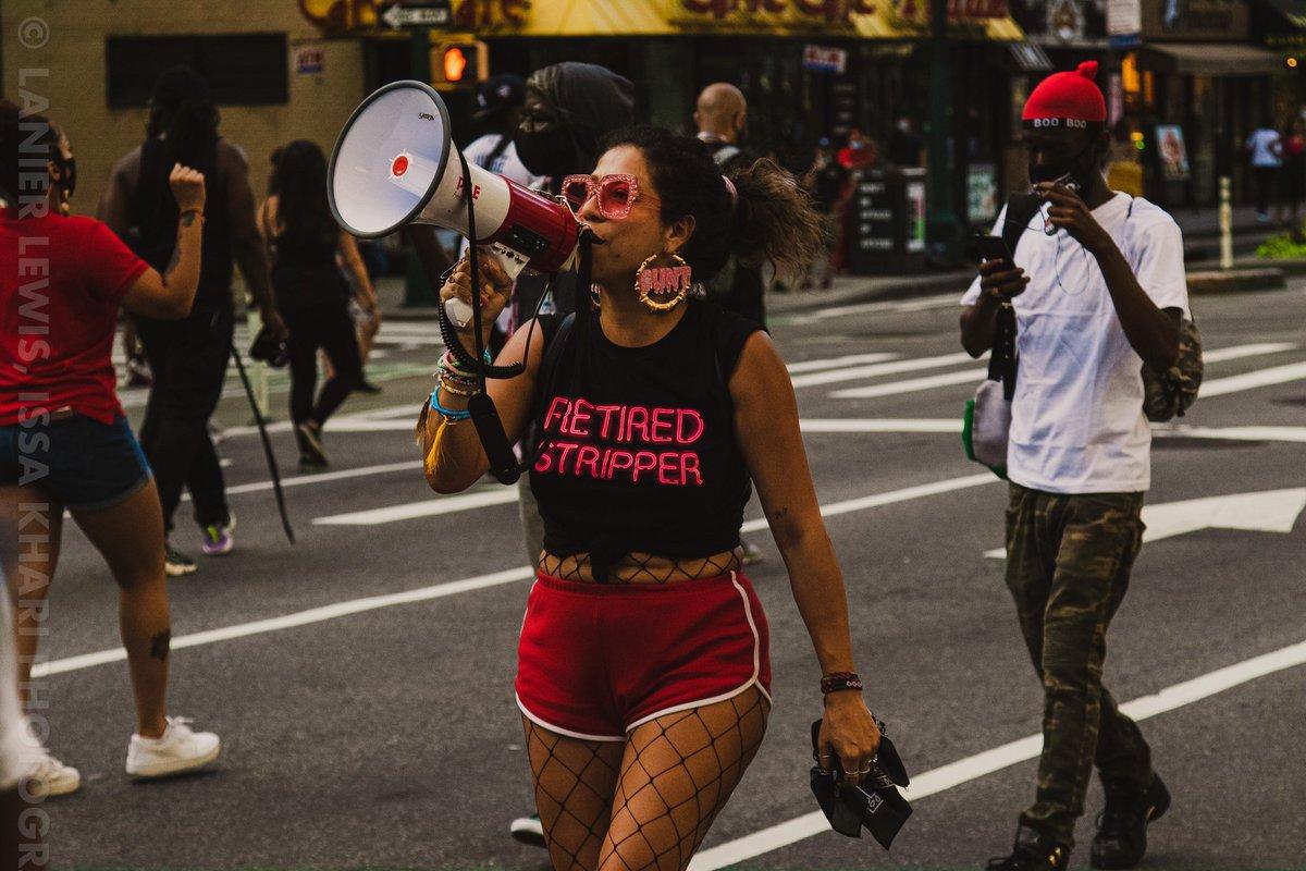 8.1.20 @BlackSWMarch, New York City  #blacklivesmatter #blackwomenmatter #nycprotests #BLMprotest #BlackSWLivesMatterpic.twitter.com/9InUl6osYC