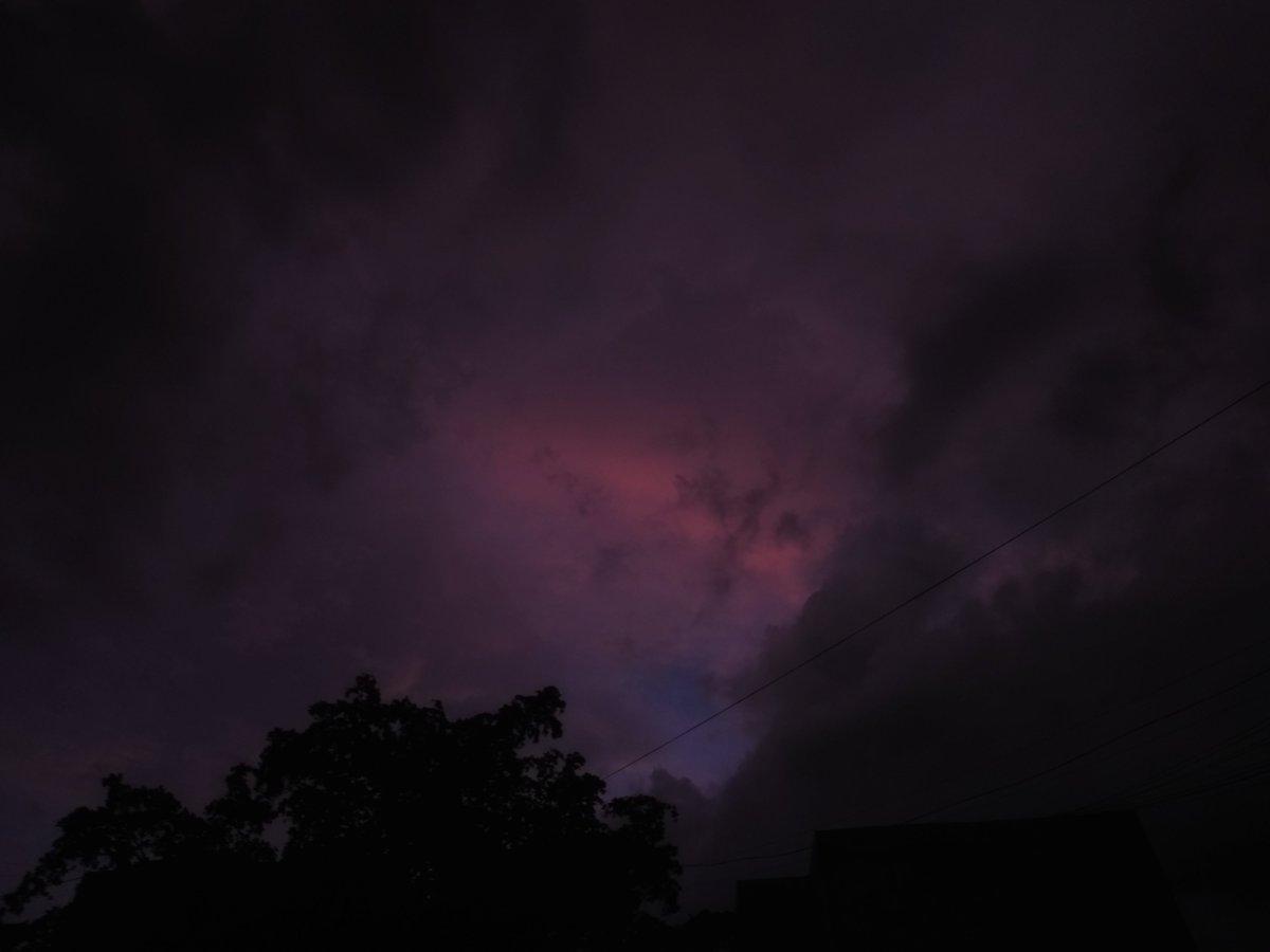 El cielo de mermelada de ayer #Culiacán #Sinaloapic.twitter.com/kmZlfnmuTu