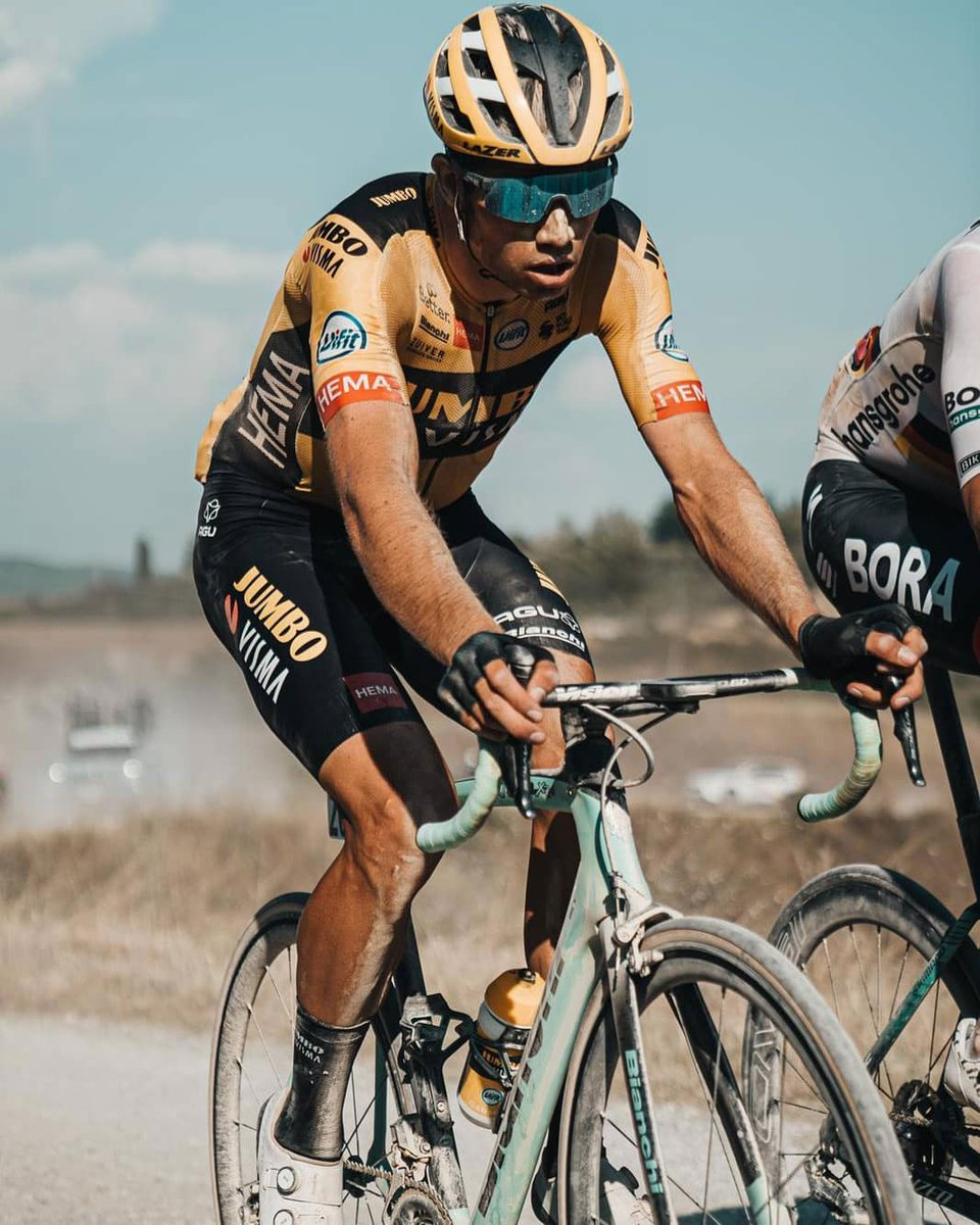 Wout van Aert alla Strade Bianche 2020 #ciclismo #cycling #StradeBianche #StradeBianche2020 #WoutvanAert 🔗 Devin van der Wiel/Team Jumbo-Visma cycling  https://t.co/IV1m2wBBsU https://t.co/ANoBasUBCe