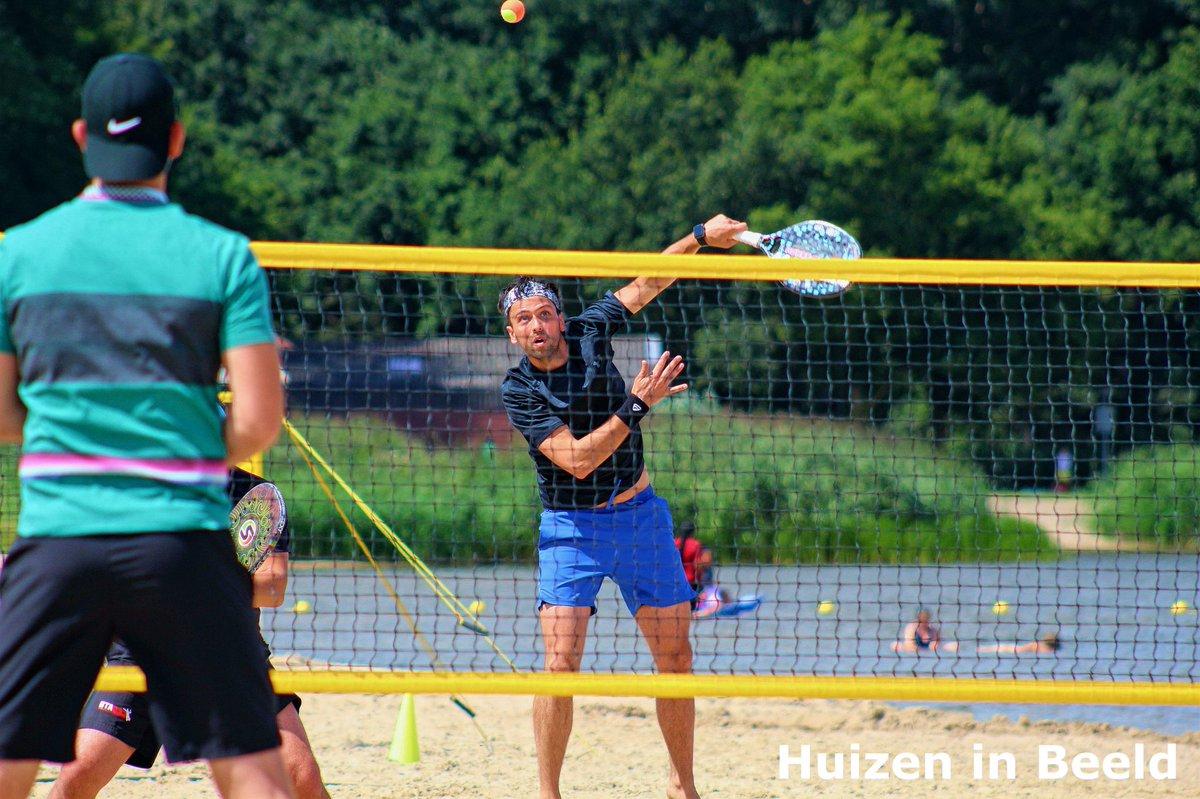 Beachtennis toernooi in Huizen.  Zaterdag en zondag was er een beachtennis toernooi georganiseerd op het strand aan de Zomerkade en bij Coronel Sport. https://www.instagram.com/p/CDZITT_Hgqu/?igshid=hm5erl2v24vy…pic.twitter.com/5kDQZZuwlV