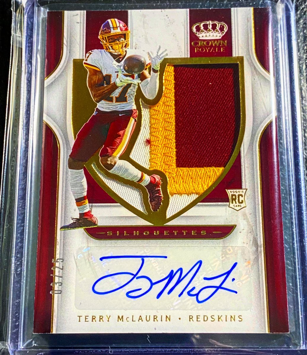 Love the patch on this @paniniamerica chronicles crown Royale @TheTerry_25 of @redskins to /25 #washingtonfootball #chiefsnation #nfluk #nflgameday #christianmccaffrey #saquonbarkley #packersnation… http://instagram.com/p/CDY-MGgng1s/…pic.twitter.com/2HhXROKT9E