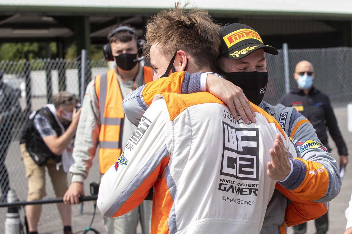 A weekend to remember, winning on debut🏆   The team @Rocket_Msport and my teammate @Michael_OB94 taught me so much in my opening weekend.   I think we did the bossman @JensonButton proud.   Thanks to @TheWFGamer again for this life changing opportunity❤️ https://t.co/EeS6wuZYom