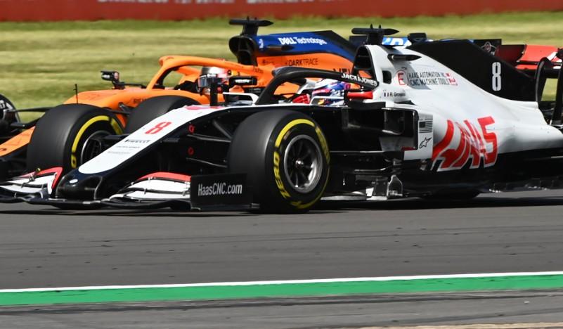 "Carlos Sainz called Romain Grosjean's driving ""very dangerous"" and ""unacceptable"" at #BritishGP  But Grosjean only handed a formal warning   Full story: https://t.co/IJnwosxrU4  #SkyF1 https://t.co/nzfR2eSTwf"