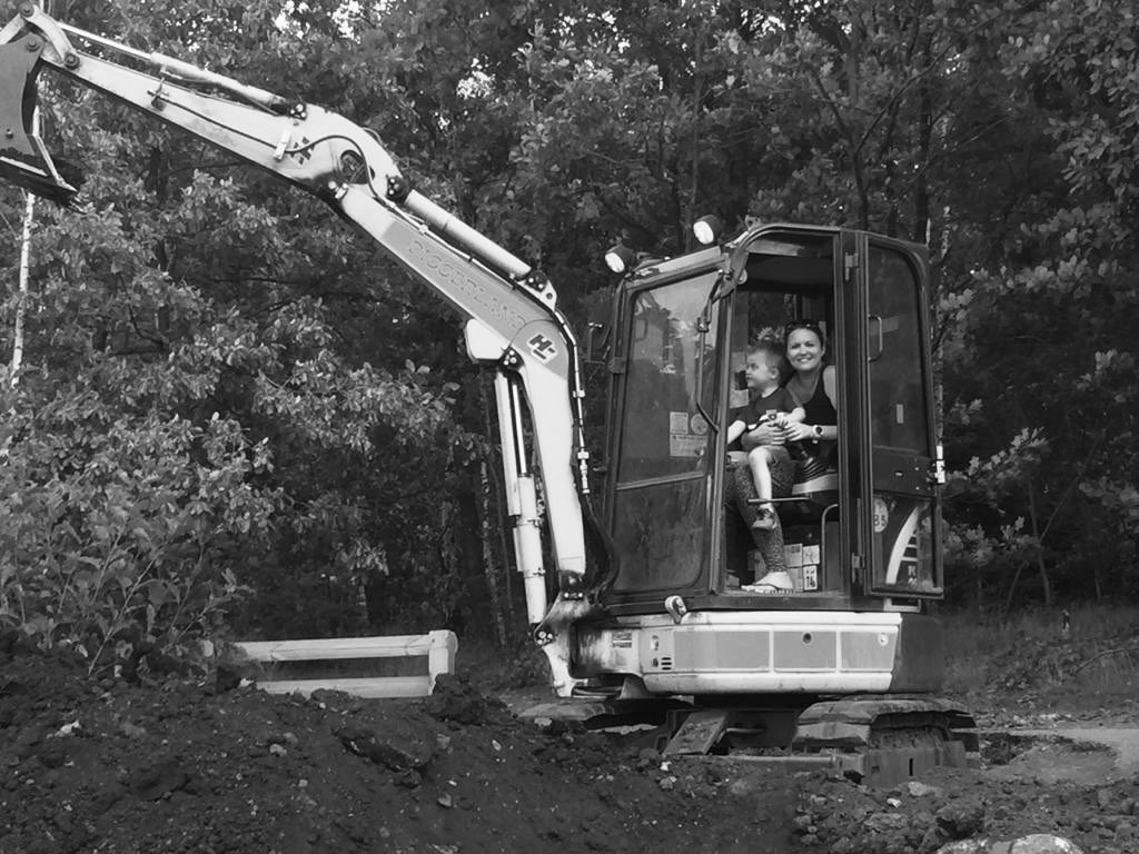 I love teaching but could be tempted by a different profession after a day at Diggerland! What would you do if you didn't teach? I'm not sure I can think of a more rewarding job although operating the digger was a lot of fun! #lovetoteach https://t.co/HSnzIgVqzm