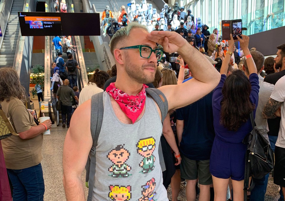 Missing this. That time when @Mtlcomiccon made me very proud to call myself a #nerd, #geek, and #gaymer in my new home pic.twitter.com/yvT17gpKIX