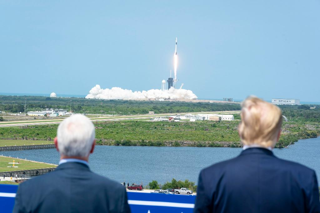 In May, President @realDonaldTrump watched as American astronauts launched into space from U.S. soil for the first time in nearly a decade. This afternoon, @SpaceX Dragon splashed down in the Gulf of Mexico! 🚀 Congratulations, @AstroBehnken & @Astro_Doug—and welcome home!