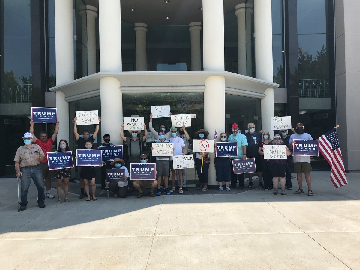 .@realDonaldTrump's supporters are out in force today protesting Nevada Dems' attempts to ram through mass mail-in voting & ballot harvesting.  Dems want to use the pandemic to destroy election integrity.  Help us fight back and https://t.co/tidEkccKCq! https://t.co/xnVYlsRWBP