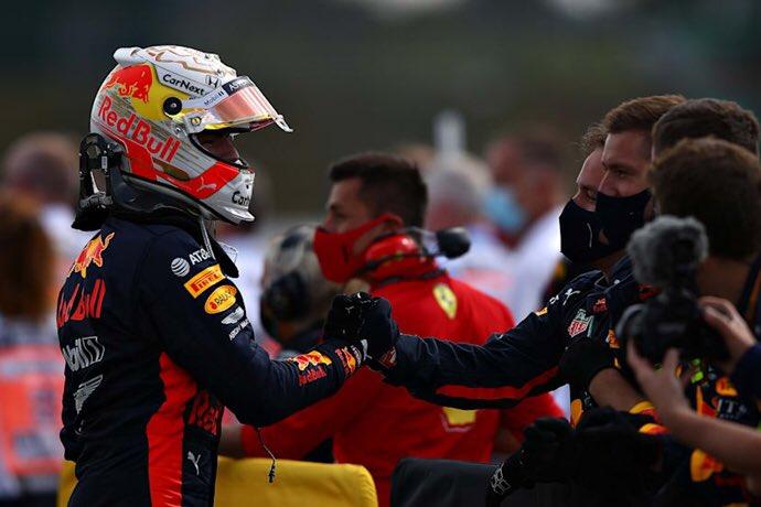 #F1 #BritishGP | Domingo en Silverstone – Red Bull a segundos de ganar en una extraña carrera https://t.co/PCOu4yfijb https://t.co/3D80JVxKdB