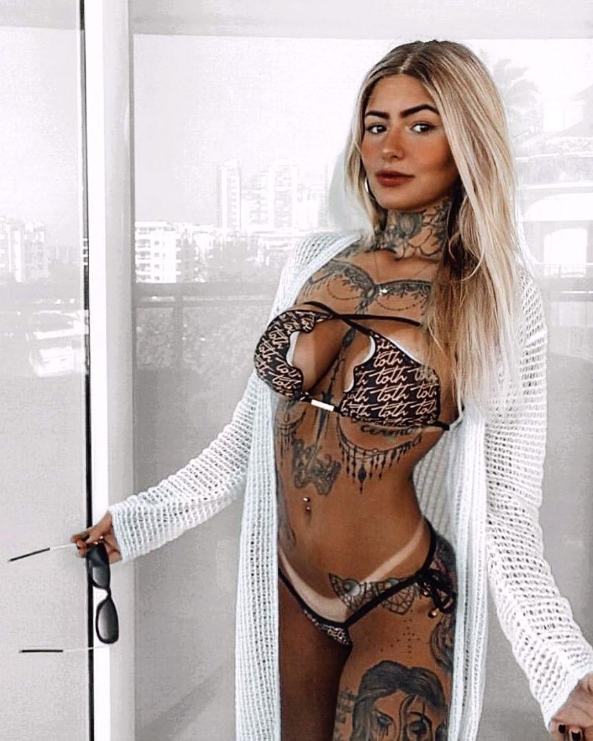 Giovana Lépore SIGA o @malvadasonlinePOSTS DIÁRIOS  #instamodels #model #tumblrgirls #sexy #sexygirl #gostosa #gostosaa #mulhergostosa #hot #hotgirl #hotgirlsummer #putaria #decote #peito #safada #linda #novinha #malvadasonlinepic.twitter.com/sMOoHzU7eH