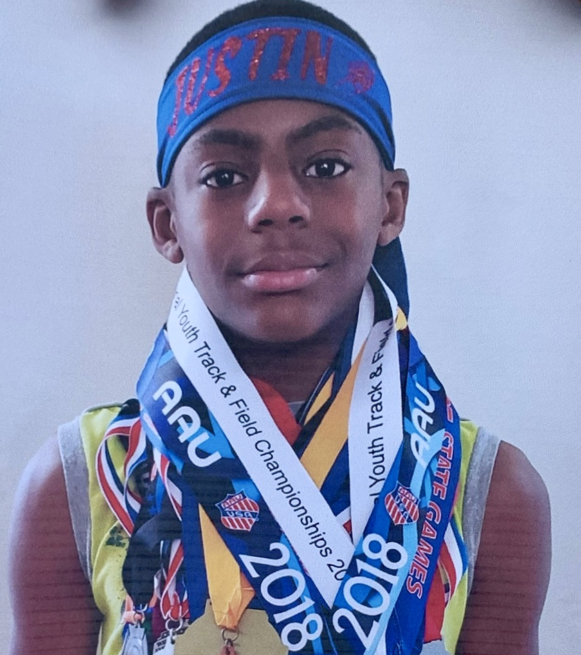 Durham police are trying to locate 12-year-old Justin Lawrence who was last seen riding his bicycle on Rondelay Drive around 10 a.m. today.   Anyone with information is asked to call the Durham Police Department's main desk at (919) 560-4427 or 911. https://t.co/zGZxdoTXr9