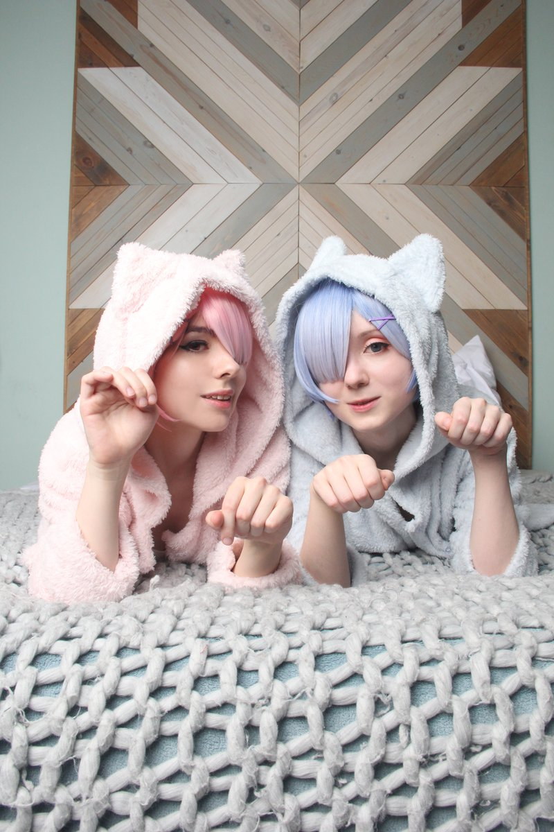 Weve uploaded our cute kitties Rem & Ram set 🐱 gumroad.com/l/sleepy_kitti…