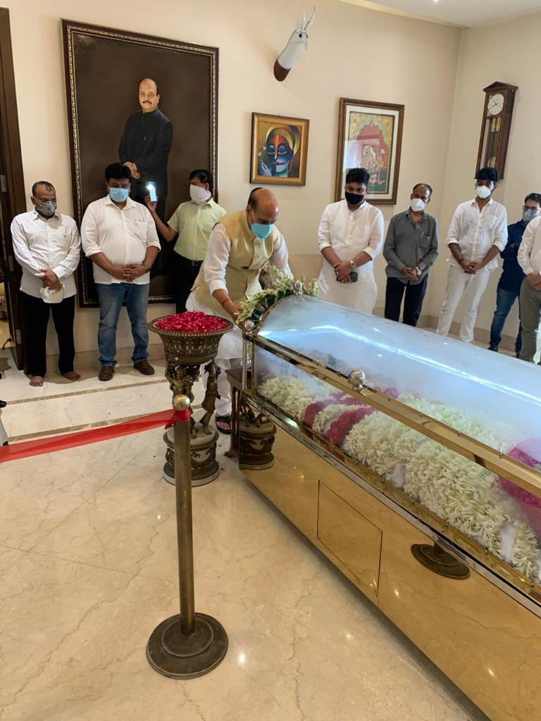 Paid my last respects to Amar Singh ji.