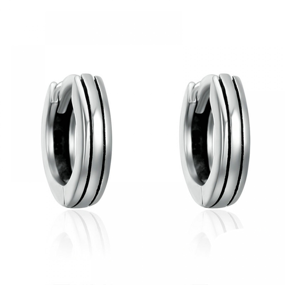 #luxury #jewels Stylish Round Silver Earrings pic.twitter.com/VwXFdLqtFA