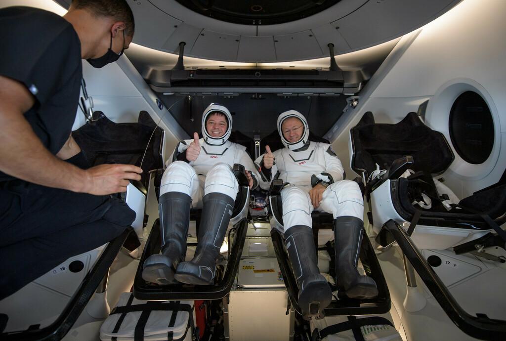 Crew Dragon Safely Returns Astronauts via NASA ift.tt/3k6NAor