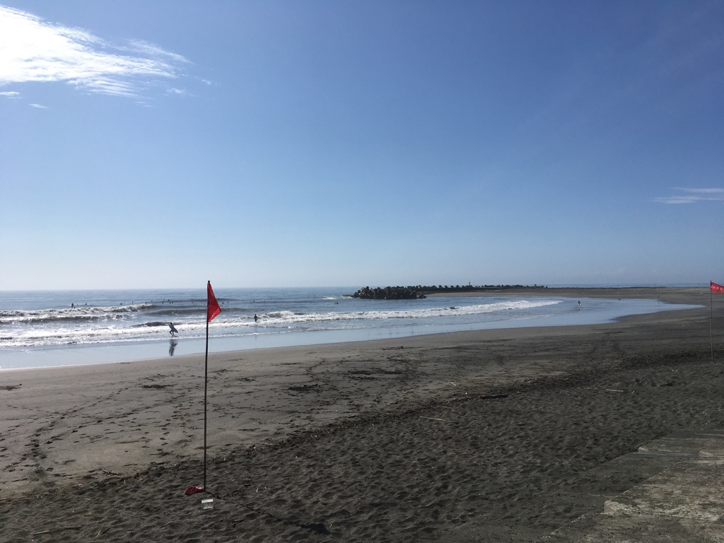 おはようございます。8月3日(月)08:30の一宮海岸です。場所やセットを選んで、遊べるコンディションです。本日は書類作成です。暑くなりましたので、皆様ご体調に気をつけてお過ごしください。#一宮町 #長生郡 #不動産 #いすみ市 #サンオフィス