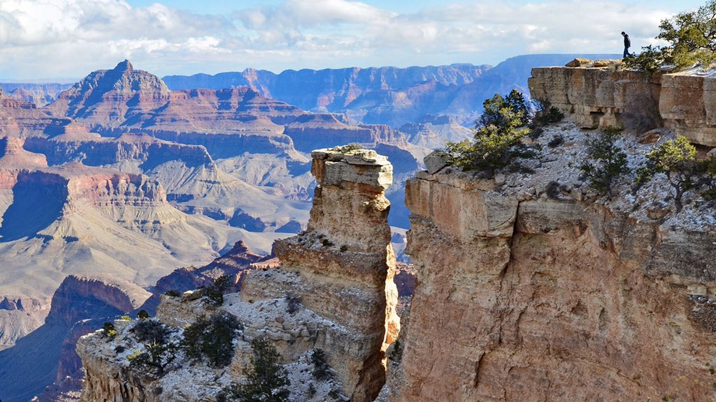 "Rock columns, like this one near Yaki Point on the South Rim of the park, cleave away from the canyon rim.  Water seeps into cracks, freezes, expands, and wedges the column away from the rim wall, until one day, ""Look out below!""  #GrandCanyon #Arizona #Geology https://t.co/mm5PiERF3X"